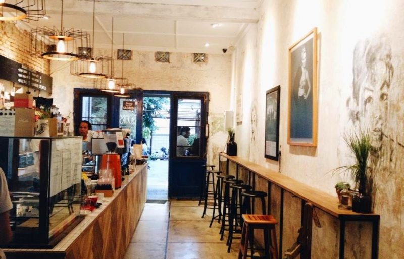Blue Doors Coffee Shop Bandung
