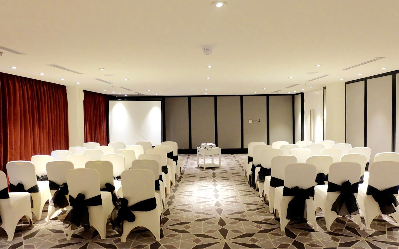 Meeting Room Bali Paragon Hotel